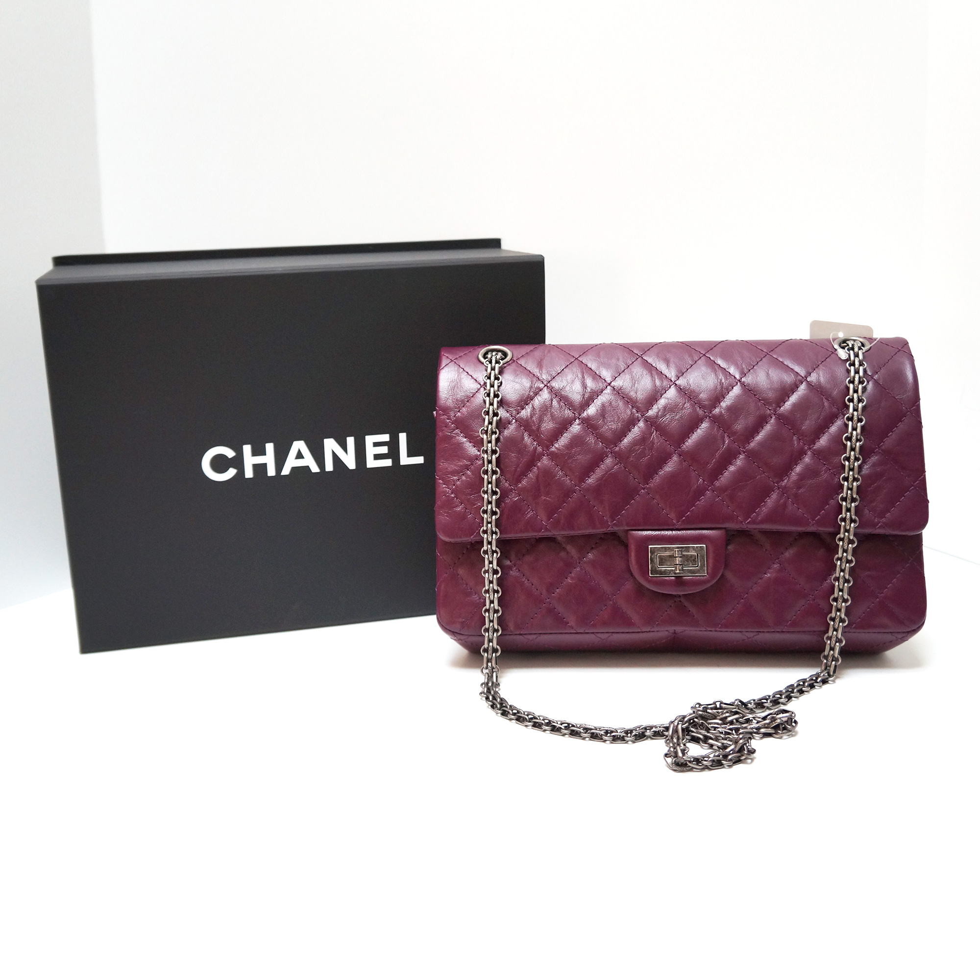 chanel reissue flap bag 226 size purple aged leather. Black Bedroom Furniture Sets. Home Design Ideas