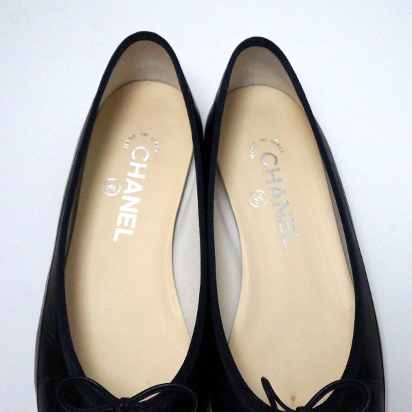 Chanel Black Eel Skin Beige Leather Ballet Slippers Size 39